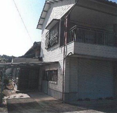 【売買】330万円 鹿島市大字音成字前篭丙 ビルトインガレージ付き 広い間取りの2階建て