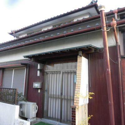 【売買】700万円 佐賀県神埼市神埼町鶴 神埼駅徒歩10分 和室が6部屋の南向き2階建て