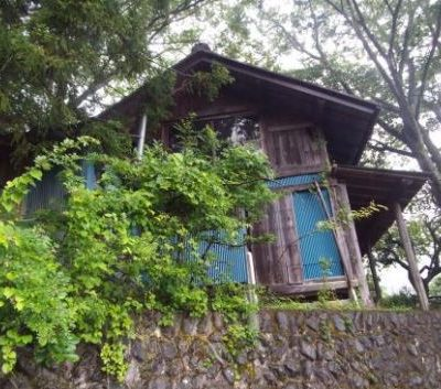 【売買】270万円 東京都西多摩郡奥多摩町留浦 築80年 囲炉裏・庭・車庫のある別荘