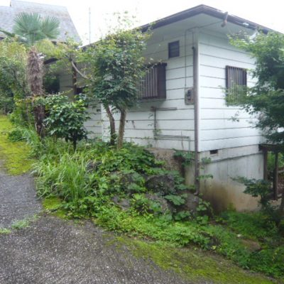 【売買】150万円 埼玉県秩父郡横瀬町横瀬 傾斜地にあるウッドデッキからの眺めがいい別荘